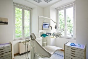 A dental chair and equipment newly cleaned by your Columbia dentist